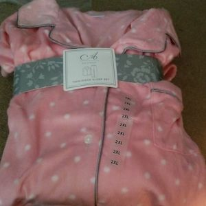 ADONNA Intimates & Sleepwear - NWT ADONNA 2 PIECE FURRY FLANNEL PJ SET